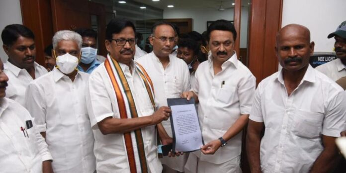 Congress Inks Poll Pact With DMK In Tamil Nadu, To Contest On 25 Seats - SurgeZirc India